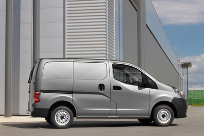 Nissan servicing and warranty package for small businesses will drive down costs