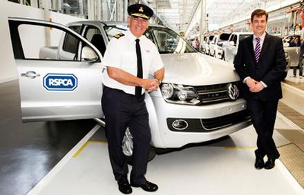 Volkswagen donates first German-built Amarok in UK to help RSPCA save animals