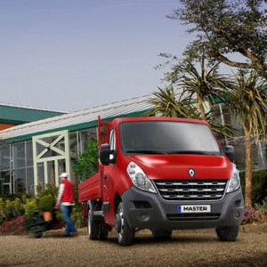 Renault Trucks Essex extends opening hours to midnight