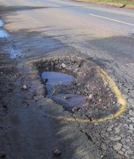 Pothole epidemic 'set to cause traffic misery'