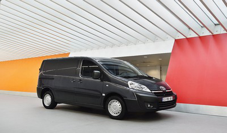 toyota s proace business vans. Black Bedroom Furniture Sets. Home Design Ideas