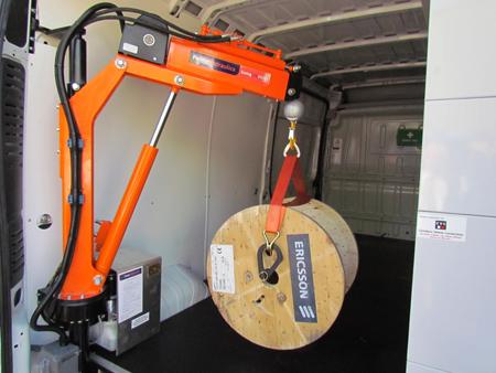 500kg crane increases load-handling capability for smaller vans