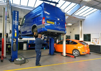 Servicing_is_carried_out_by_Ford-trained_technicians