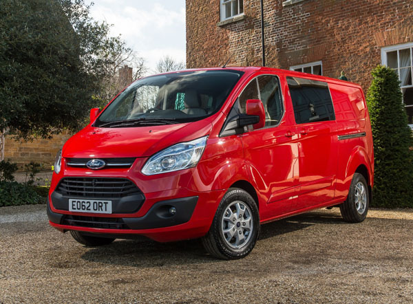 ford transit custom wins the award for best crew van business vans. Black Bedroom Furniture Sets. Home Design Ideas