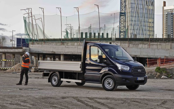Ford_Transit_dropside_review