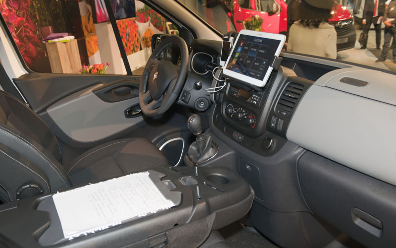 Renault makes new Trafic an office on wheels - Business Vans