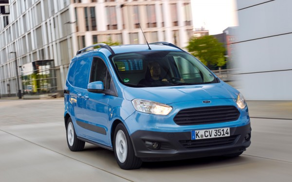 Ford_Transit_Courier_EcoBoost