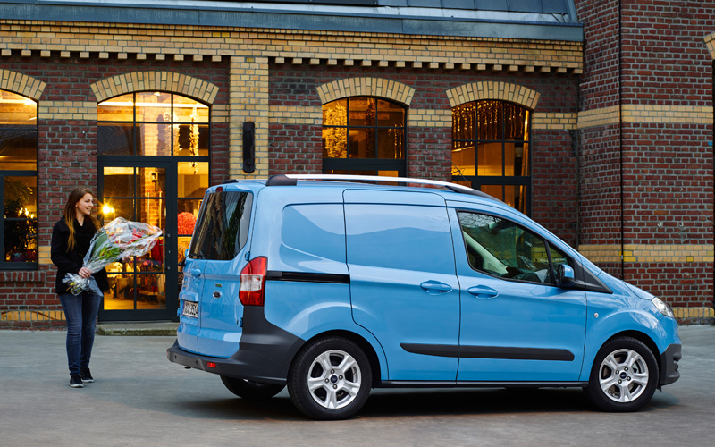 new ford transit courier prices start at 11 050 business vans. Black Bedroom Furniture Sets. Home Design Ideas