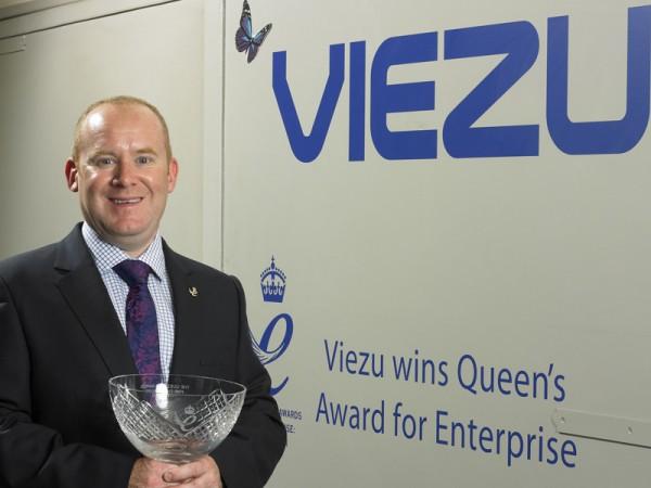 Viezu, queen, award