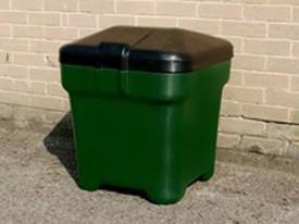 Pelipod, forest green, box, courier