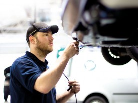 man, servicing, volkswagen, commercial, vehicle