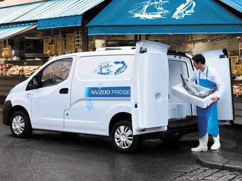 Nissan, NV, fridge van, loading