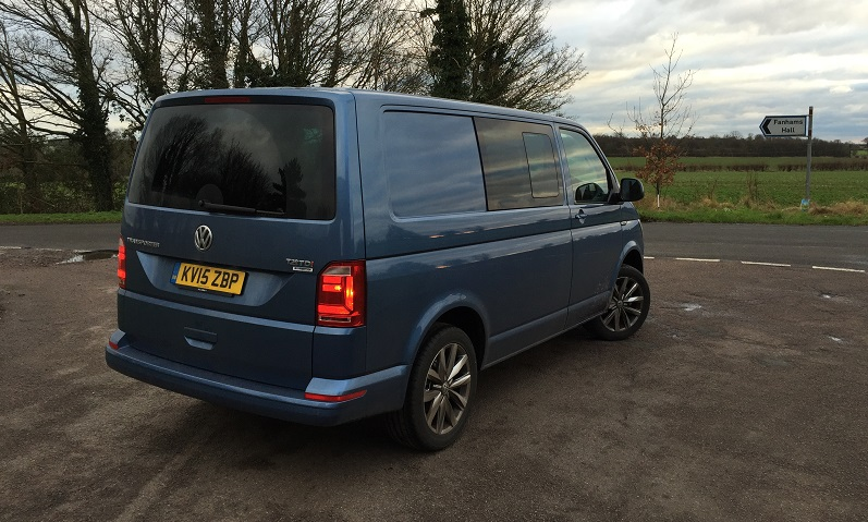 vw transporter kombi t30 2 0 tdi 140 dsg business vans. Black Bedroom Furniture Sets. Home Design Ideas