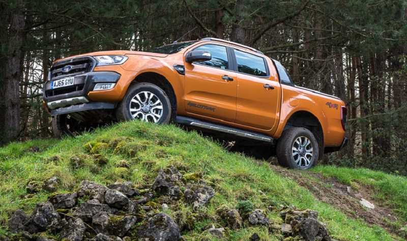 Ranger Wildtrak off-roading - beware the muddy sidesteps