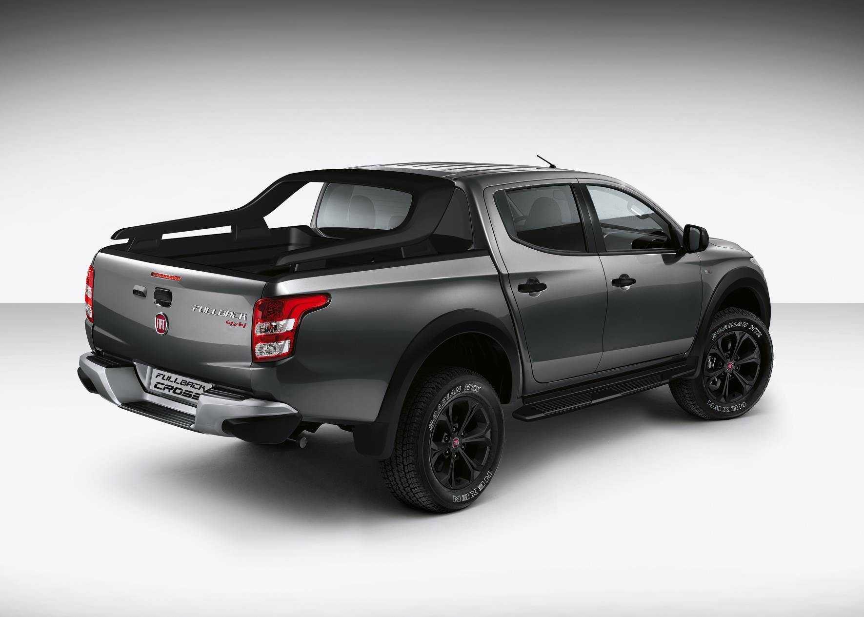 fiat fullback cross pick up targets lifestyle business vans. Black Bedroom Furniture Sets. Home Design Ideas