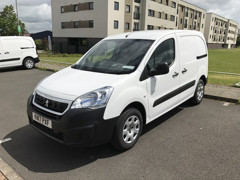 citroen berlingo peugeot partner electric vans business vans. Black Bedroom Furniture Sets. Home Design Ideas