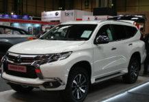 Mitsubishi Shogun Sport van