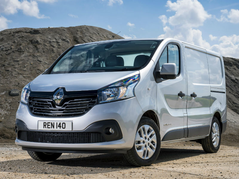 7155fd5269e39e Renault Q2 contract hire van leasing offers on Trafic 1