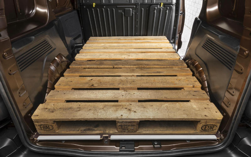 Vauxhall Combo takes two euro pallets